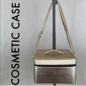 🎁 LARGE TRAVEL COSMETIC CASE
